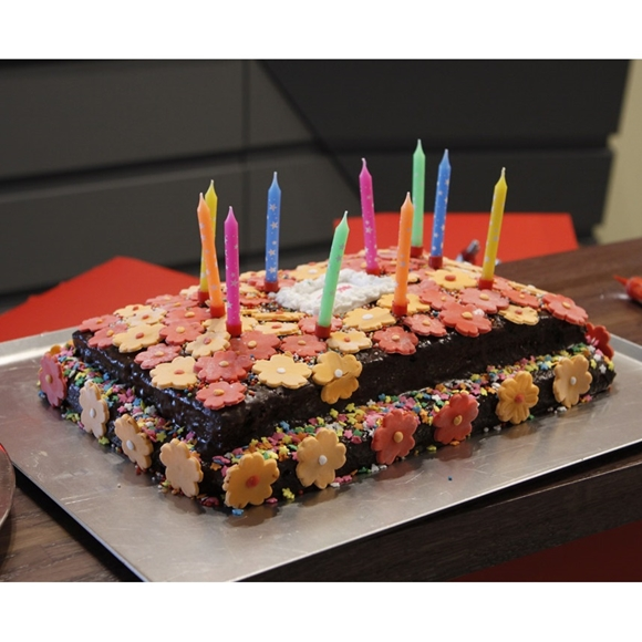 תמונה של עוגת שוקולד ליום הולדת