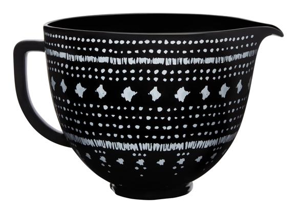 תמונה של קרמית שחורה בעיצוב רקמה לבנה למיקסר -  5KSM2CB5PTA